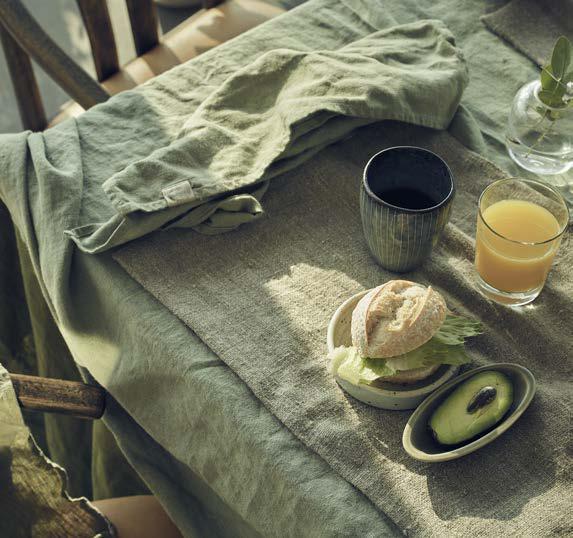 Hochwertige Tischdecken in einem Avocado Farbton