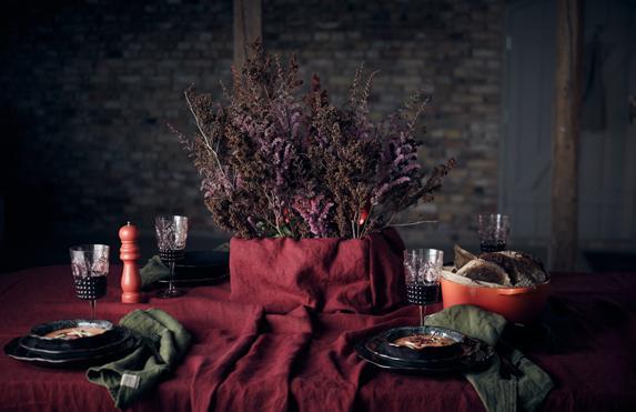 Lovely Cabernet Tischdecken von Lovely Linen